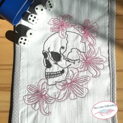 Stickdatei Lilly Skull